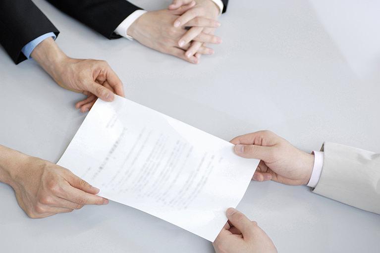 人事労務顧問契約・・・月額20,000円~(料金は従業員規模および業種により異なります。)